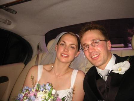 jen_gabe_wedding_limo.jpg