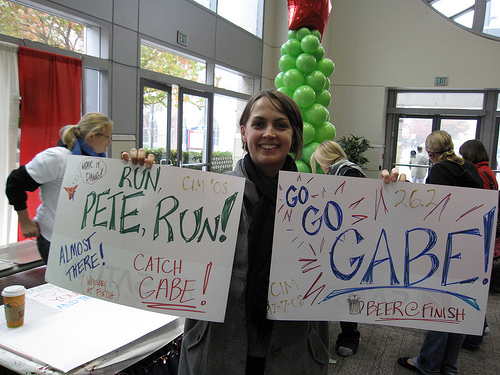 0-jen-marathhon-signs.jpg